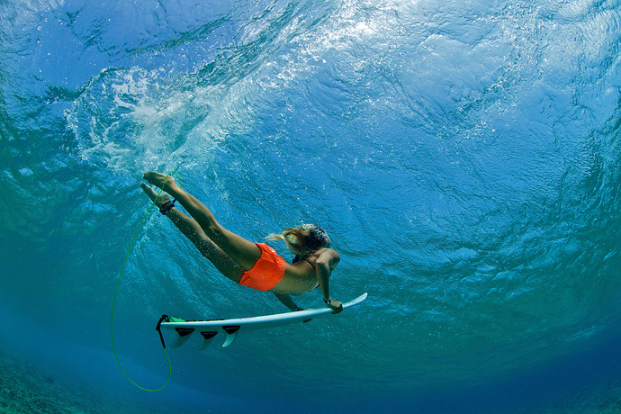 Duck-dive-on-a-surf-board-surfing-1